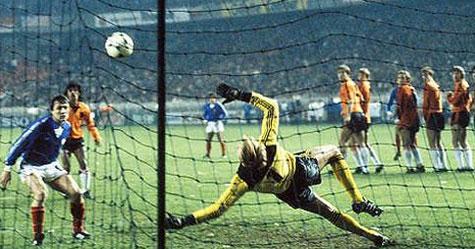Platini 1981 Un Ticket Pour L Espagne Les Cahiers Du Football