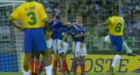 Roberto Carlos 1997 L Effet Magnus Les Cahiers Du Football